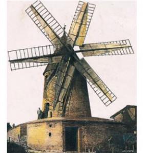Moulins-Une